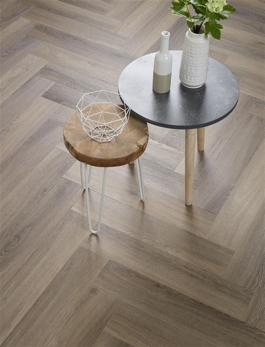 PVC vloeren - Floorlife-Yup-Herringbone-Dryback-F9096350219-Light-Brown-2